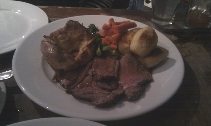Good yorkshire pudding and roast potatoes at The Gallery