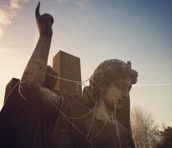 Frozen Angel at Hampstead Cemetery this morning via Natasha Back