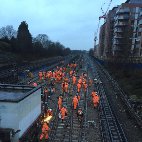 Renewals work on the Jubilee line. Image via @jubileeline